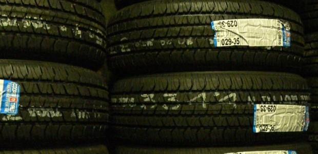Was hasst der Autofahrer am meisten? Eine Panne! Genau das dachten auch namhafte Reifenentwickler und entwickelten einen Reifen mit Notlaufeigenschaften. Der beschädigte Reifen konnte damit weitergefahren werden und ein gefährlicher […]