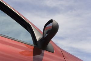 Mit zunehmendem Alter werden Autos pannenanfälliger, entsprechen nicht mehr den neuesten Sicherheitsbestimmungen oder sind vom Design her einfach nicht mehr in Mode. Hier stellt sich dann für den Besitzer des […]